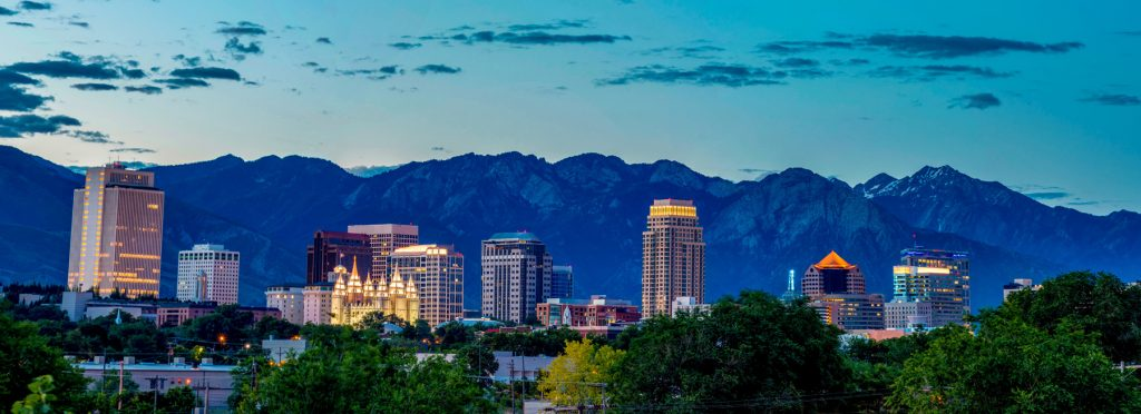 Salt Lake City is a major metropolitan city that is less than an hours' drive from 10 ski resorts. There are numerous flights daily from a number of major carriers.